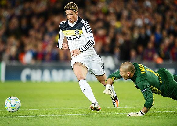 Fernando Torres scores the equalizer